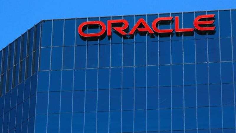 Oracle revenue falls short of expectations as cloud competition rises